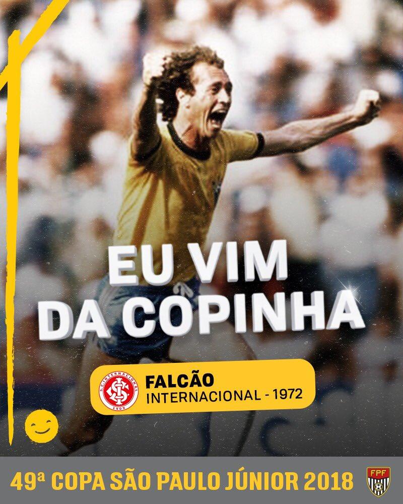 EU VIM DA COPINHA! Um dos maiores volantes da história, Falcão disputou a Copa São Paulo pelo @SCInternacional, em 1972, e foi vice-campeão. Faltam 22 dias para o início da 49ª edição da competição de base mais importante do Brasil! #EsseÉaMinhaCopa #Copinha49 #FPF #EsseÉoMeuJogo