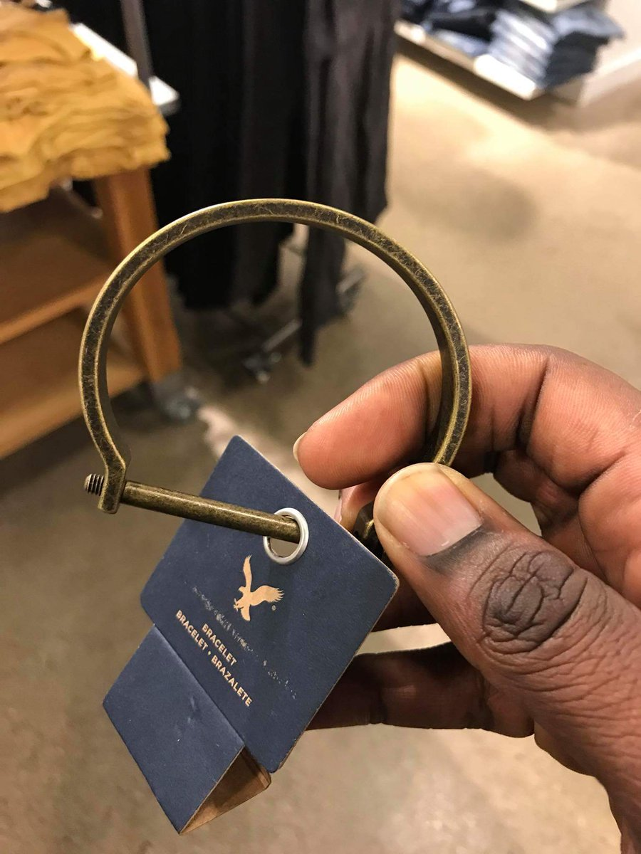 Customers Are Outraged Over This Controversial American Eagle Bracelet