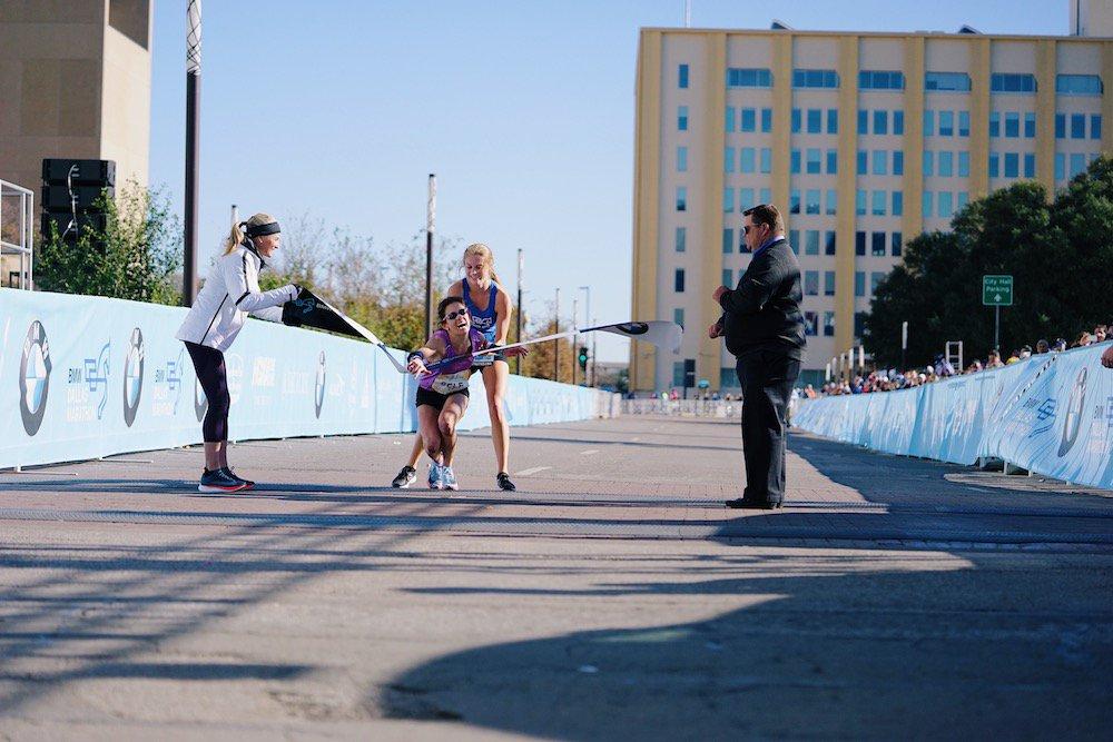 Crolla a 300 metri dal traguardo ma vince la maratona di Dallas grazie ... - https://t.co/rCHKoDgAJy #blogsicilianotizie #todaysport