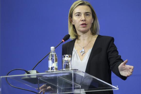 União Europeia concorda em criar uma cooperação militar permanente. https://t.co/h3jewSWTE3 📷EPA/Andrej Cukic/Agência Lusa/Direitos Reservados