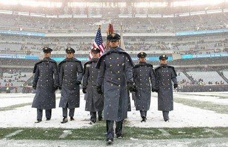 Rhodes Scholar makes history at Army-Navy game https://t.co/GJBFObflml