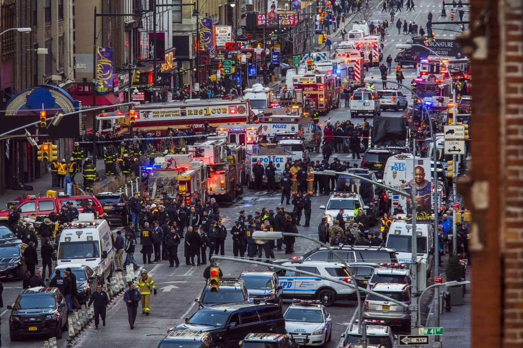 DC's security leader on what the NYC explosion means for the District https://t.co/qcdY53cFDk | @AP_Images