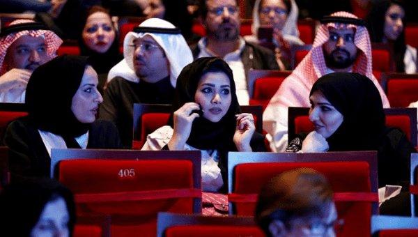 Saudi Arabia lifts 35-Yr old cinema ban, calls it 'watershed moment'. https://t.co/83j2BbDsuQ