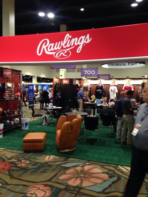The #WinterMeetings are in full swing! The #Rawlings booth is looking forward to a fun and busy week! What moves do you hope your team makes this week?