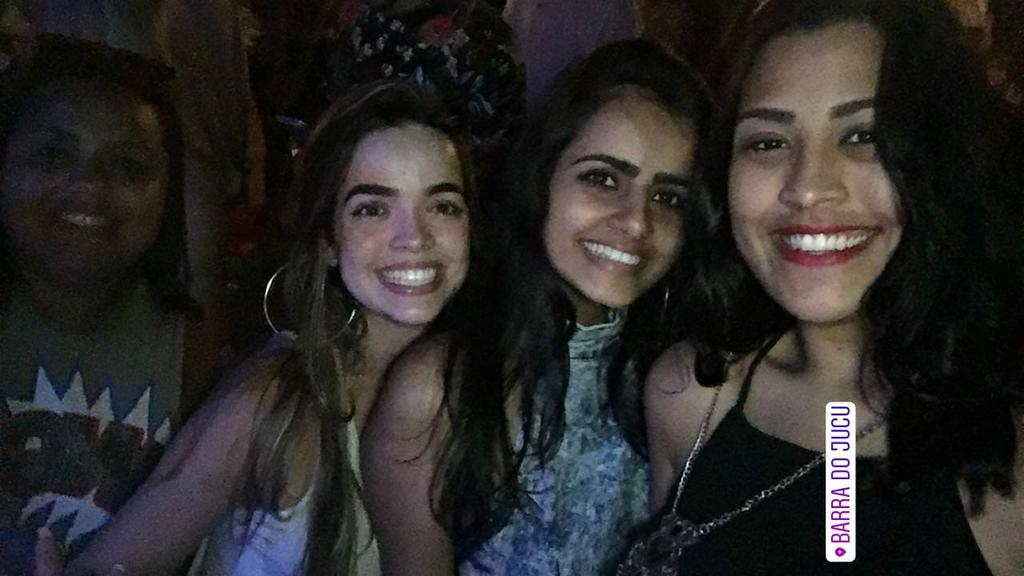 Noite foda Com pessoas fodas  #Barradojucu #Sambasoul @_sabrisss_pic.twitter.com/g2YUwOr63W