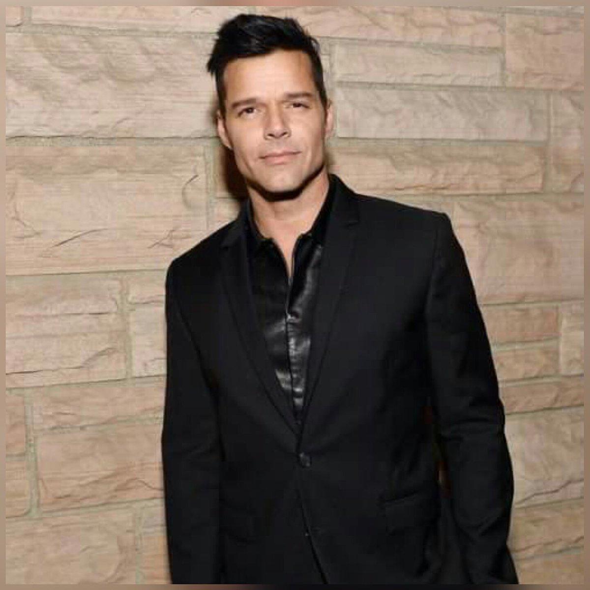 Cumpleanos Feliz Ricky Martin.Chris Martin On Twitter Feliz Cumpleanos Ricky Martin