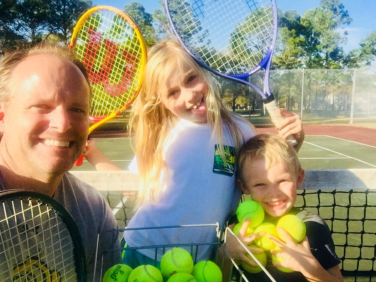 Christmas Eve tennis, anyone?? #southernliving #prechurch #merrychristmas<br>http://pic.twitter.com/TcjOfPevoB