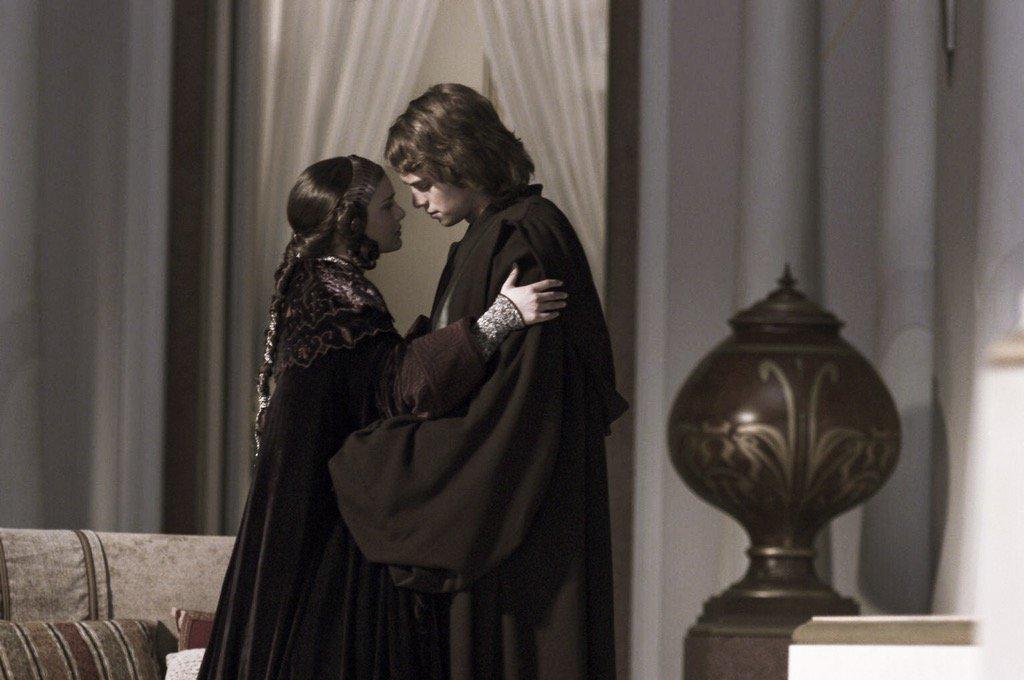 Star Wars Archive On Twitter Natalie Portman As Padme Amidala Hayden Christensen As Anakin Skywalker In Star Wars Revenge Of The Sith 2005