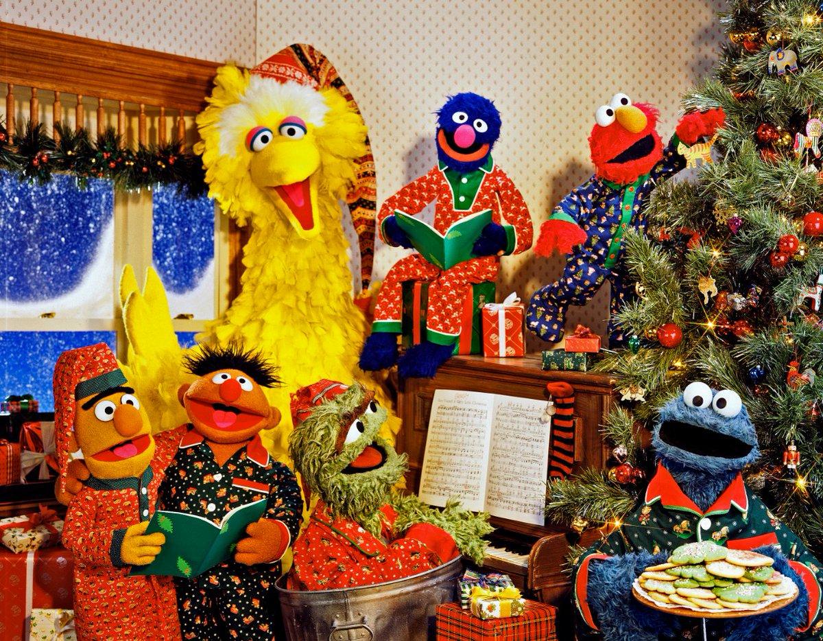 Christmas Eve On Sesame Street.Sesame Street On Twitter Spending Christmas Eve On Sesame