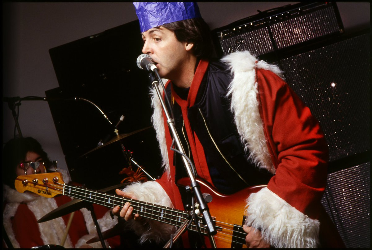 Paul Mccartney Christmas.Paul Mccartney On Twitter Happy Chrissie To Y All I Hope