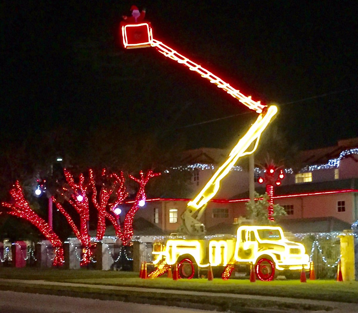 MERRY CHRISTMAS!  Thankful for the real SANTA @FLKeysElectric for their round the clock hard work by land &amp; sea restoring POWER &amp; HOPE to the Florida Keys! They also get our vote for best Christmas Lights! #IrmaRecovery #conchstrong  #FLKeys<br>http://pic.twitter.com/pzdjvpamOE