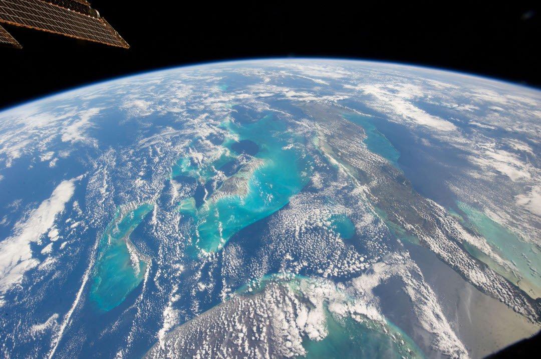 смотреть космические фотографии из космоса синее, зависимости освещения