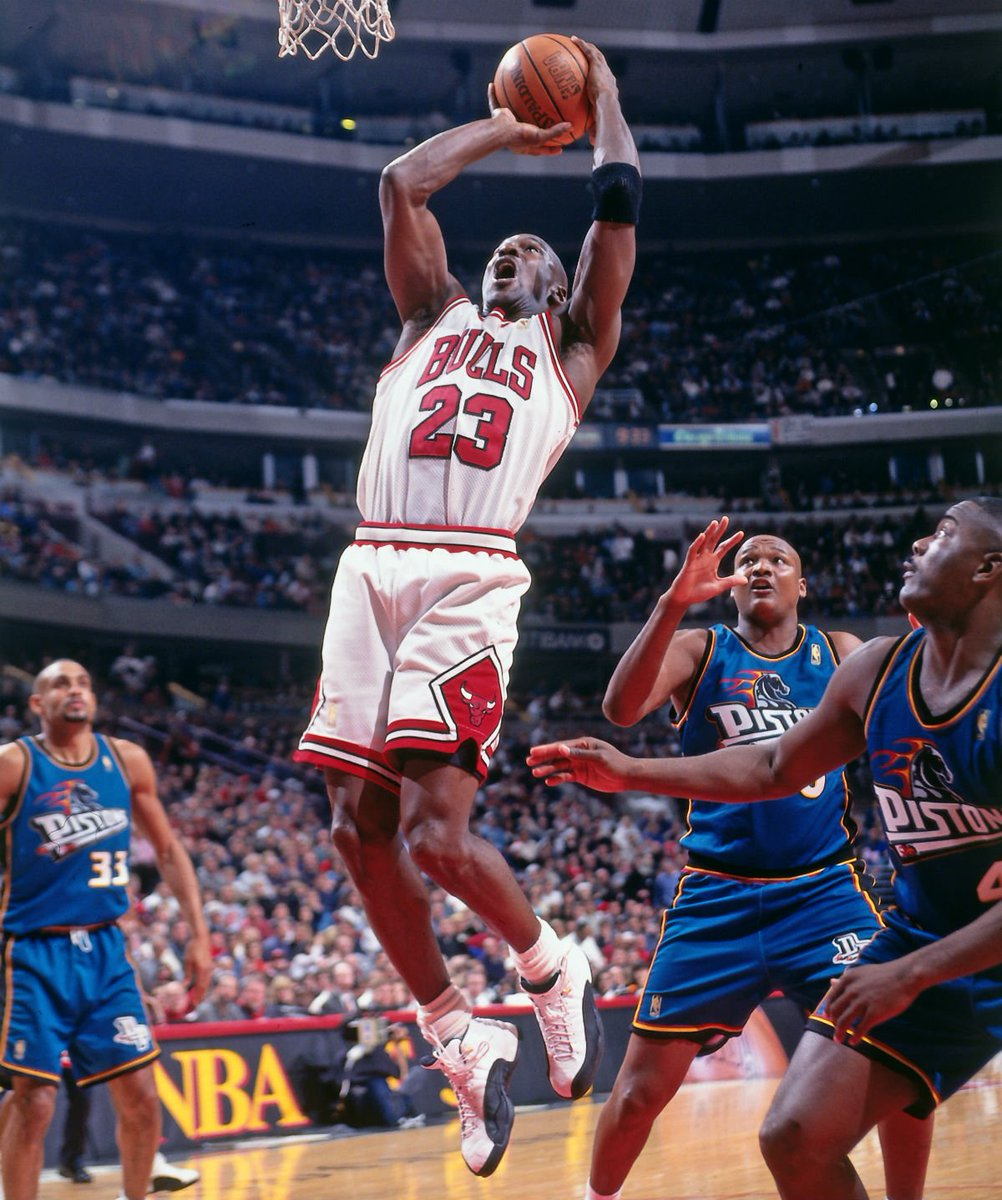 420a9a55476525  solewatch  michael jordan wearing the