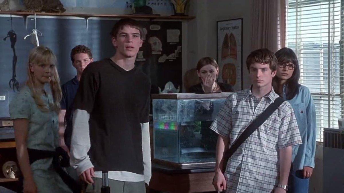 ¿Cuánto mide Josh Harnett? - Altura - Real height DR5JXFPXcAAffmN