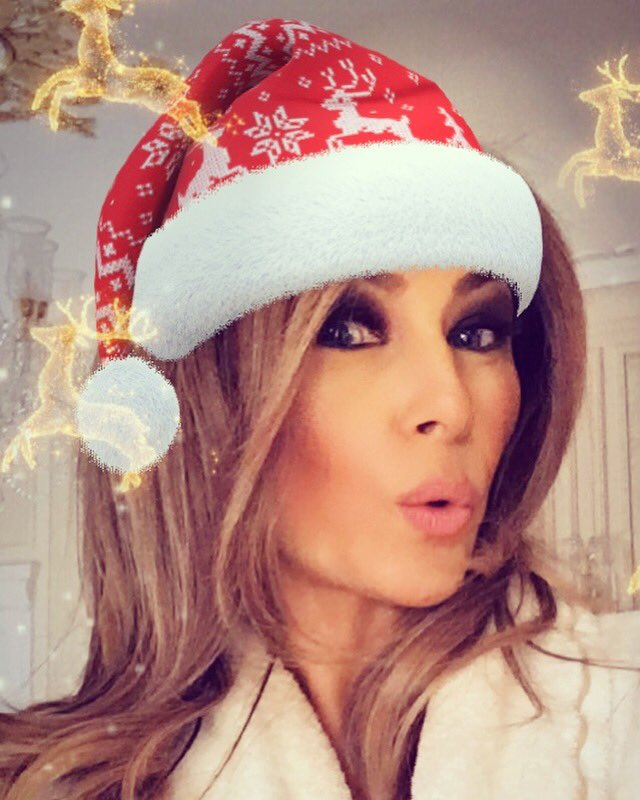 melania trump tweet about christmas