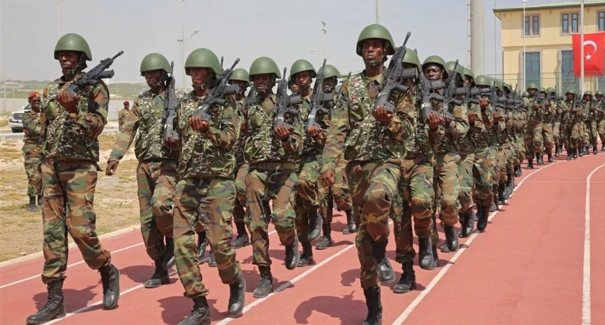 """الصومال تتسلم 450 قطعة من البندقيه """"MPT-76"""" التركيه  DR6_7AYXUAA2GN5"""
