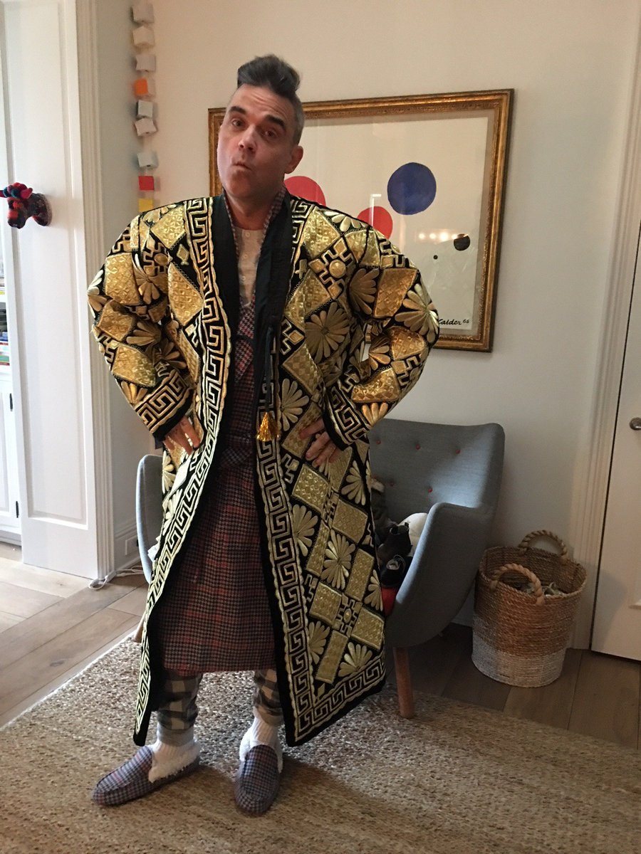 Well that's my Christmas day outfit sorted ….Thank you Uzbekistan x https://t.co/ClzYys9RYD
