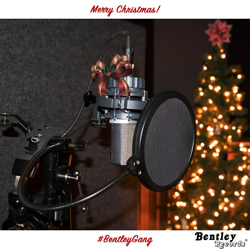 All of us at Bentley Records would like to wish the whole #BentleyGang family and all your loved ones a very Merry Christmas and Happy Holidays!  #MerryChristmas #Christmas #Music #Retweet #Xmas #Holidays #Santa #Gifts