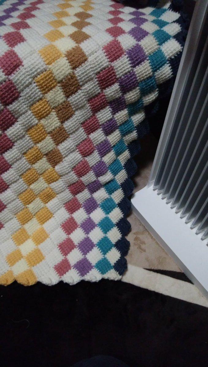 test ツイッターメディア - 4号針編みの合間に8号針でざくざくザク♪…どぉ仕上げようカナ 考え無しに編み始める 編みながらナントナク考える(^^;)  #かぎ針編み #Seria #なないろ彩色  編み物♪…楽しいネ(*^^*) https://t.co/BAc6ymSDMo