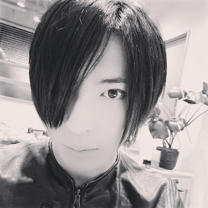 切った。  #黒子 #黒子のバスケ #氷室 #氷室辰也 #断髪 #散髪