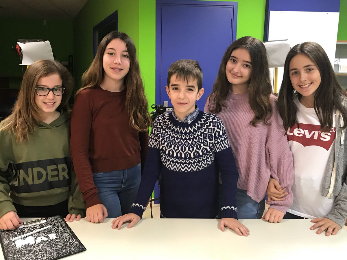 http://www.radiocalella.cat/videos/videola-tele-a-lescola-el-nadal-a-debat-amb-alumnes-de-1r-deso-de-lescola-pia/