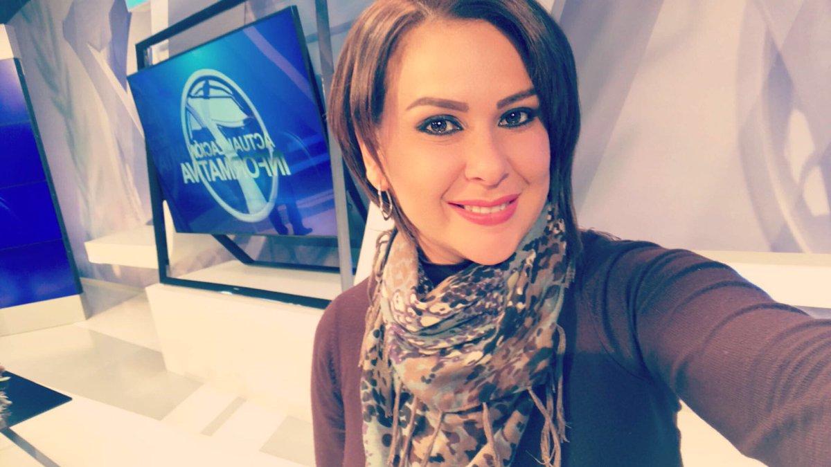 RT @VickyCastilloTV: Juevesito de pache??? 😋Quien se apunta? #FelizJueves https://t.co/S6QMvozwvL