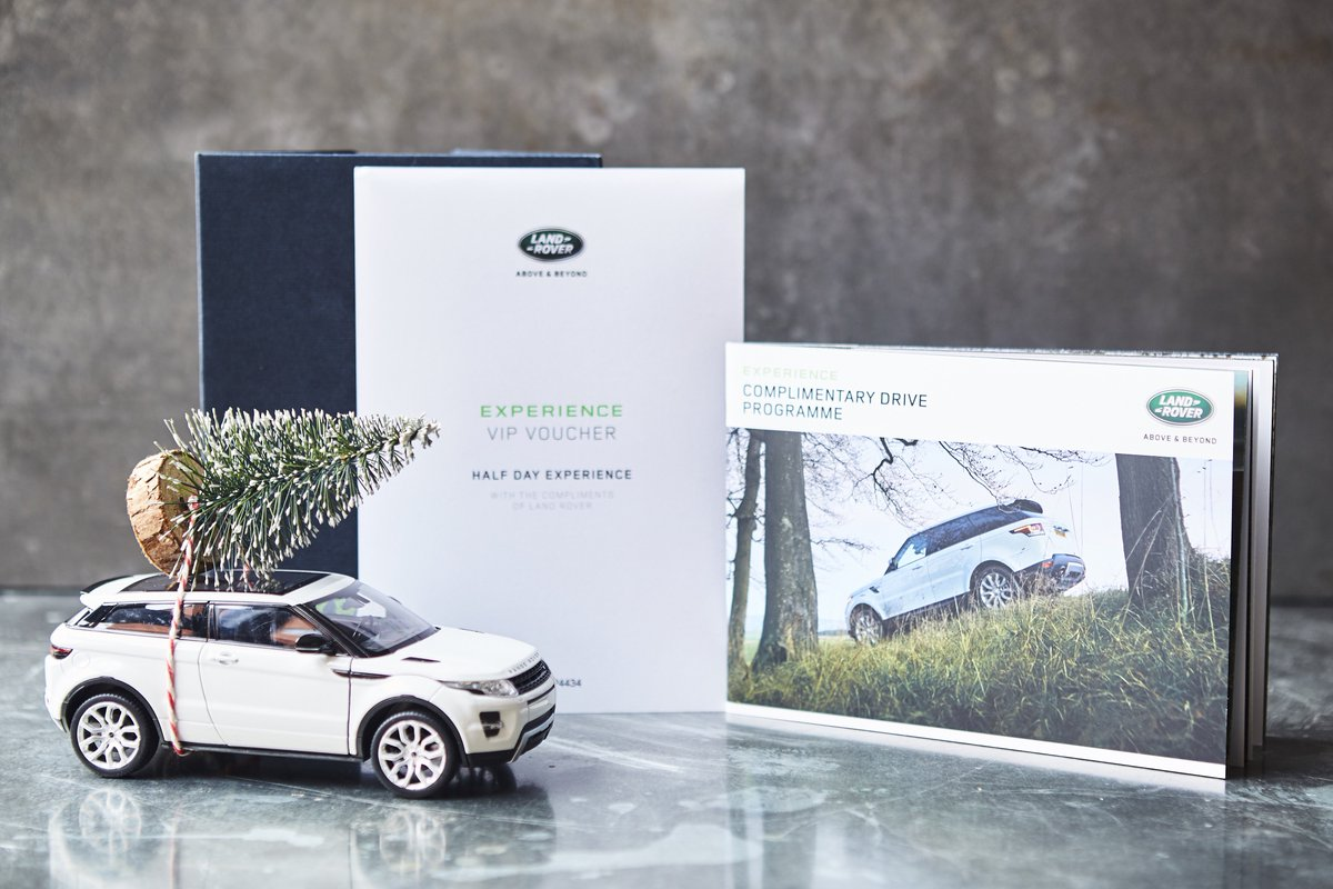 Want to #win an incredible off-road @LandRover_UK driving experience plus MORE awesome prizes?!!! Enter Jamie's Epic Christmas Giveaway here: https://t.co/2pQLeAzIR9