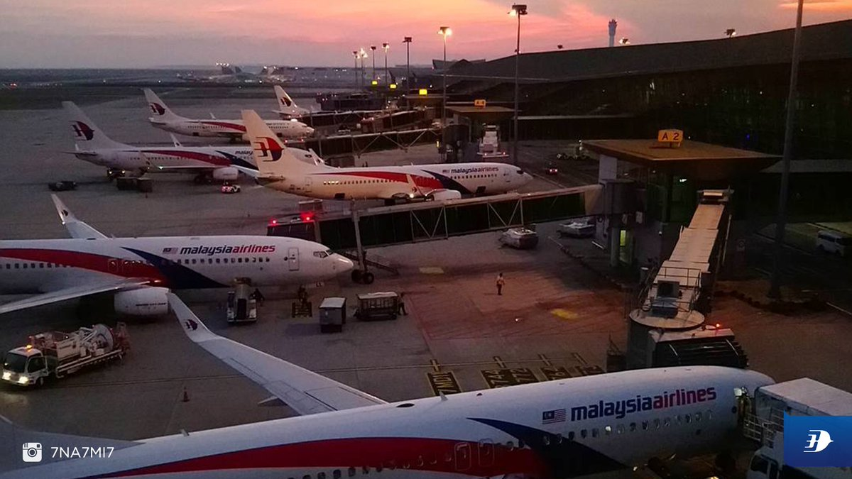 Sunsets at KLIA is one of our favourite views!  Thanks @7na7mi7 for sharing.