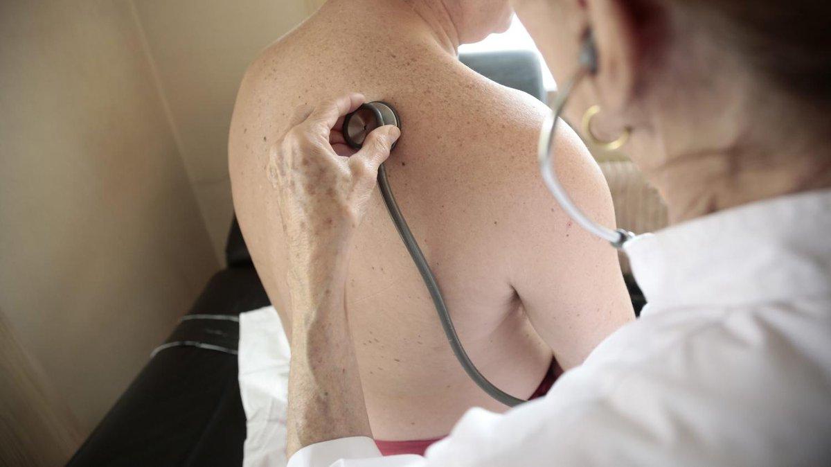 Santé : 'La gestion de la grippe relève beaucoup plus du médecin généraliste que des urgences', insiste un virologue  https://t.co/v02O4hAp4f