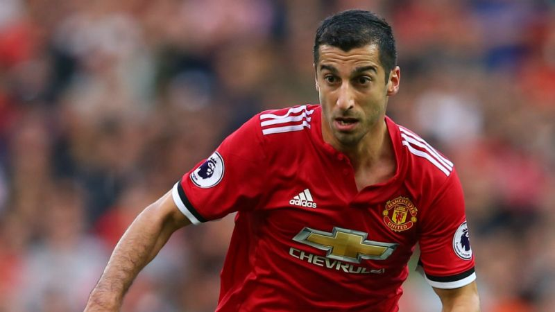 Time's already up? ⏰  Jose Mourinho insists there's no room on Man United bench for 'disappearing' Henrikh Mkhitaryan. 👀 #MUFC  ➡️ https://t.co/YjmPJRYmp6