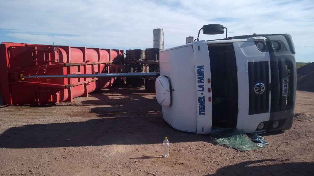 Gral.Pico | Volcó camión en el interior del obrador