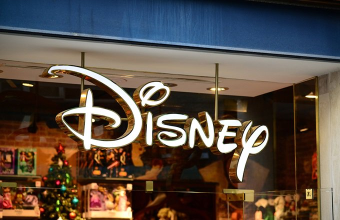 #BREAKING: #Disney buying big chunk of 21st Century Fox in $52.4B deal, bringing together film studios and growing overseas (@AP)