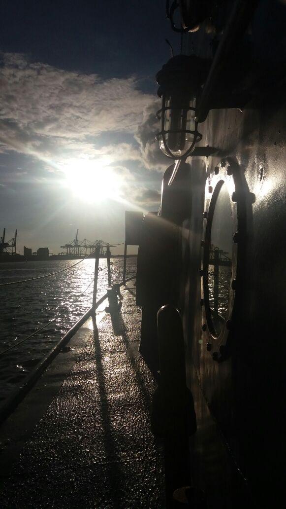 Armada Nacional's photo on #FelizJueves