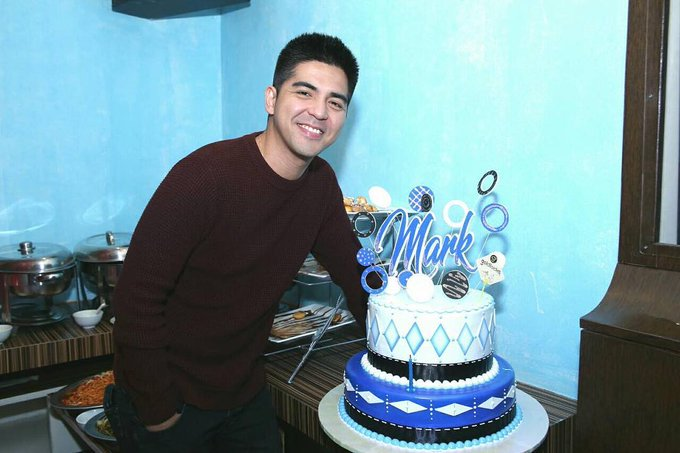 Mark Herras celebrated his birthday with top entertainment bloggers! Happy birthday, Kapuso!