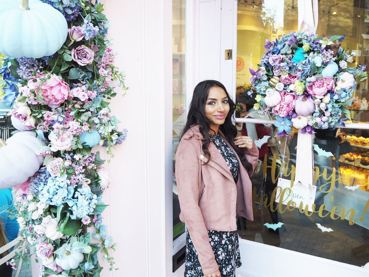 Read all about my visit to Peggy Porschen&#39;s for #HappyHalloween  https:// buff.ly/2BpKk4l  &nbsp;    #bloggerstribe #teacupclub #beechat #bbloggers<br>http://pic.twitter.com/HXRCVuEEET