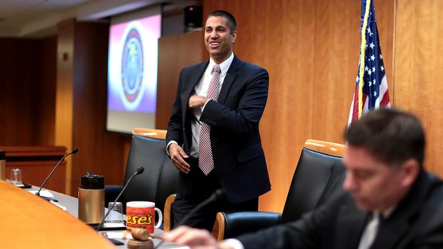 NEW: FCC poised to repeal net neutrality protections https://t.co/NfkvnLdIer