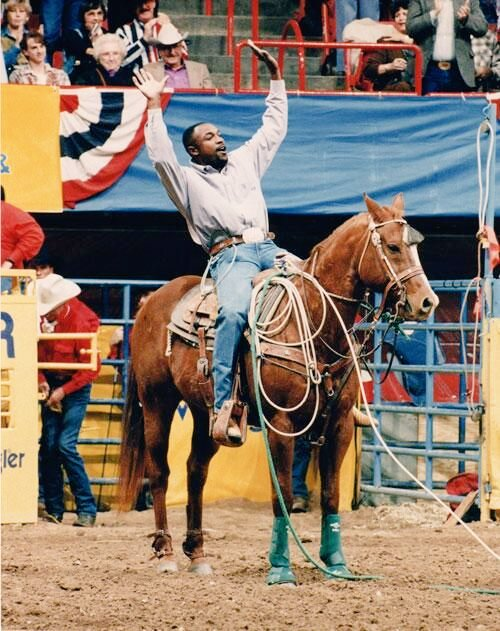 #ThrowbackThursday how to raise a roof. @8XWhitfield @ThePRCA<br>http://pic.twitter.com/0jTKSzHy8I