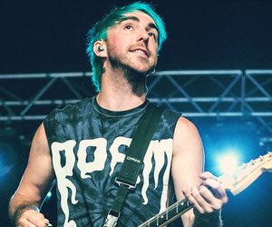 Happy Birthday to ATL s Alex Gaskarth. Look at him repping our boys in Roam