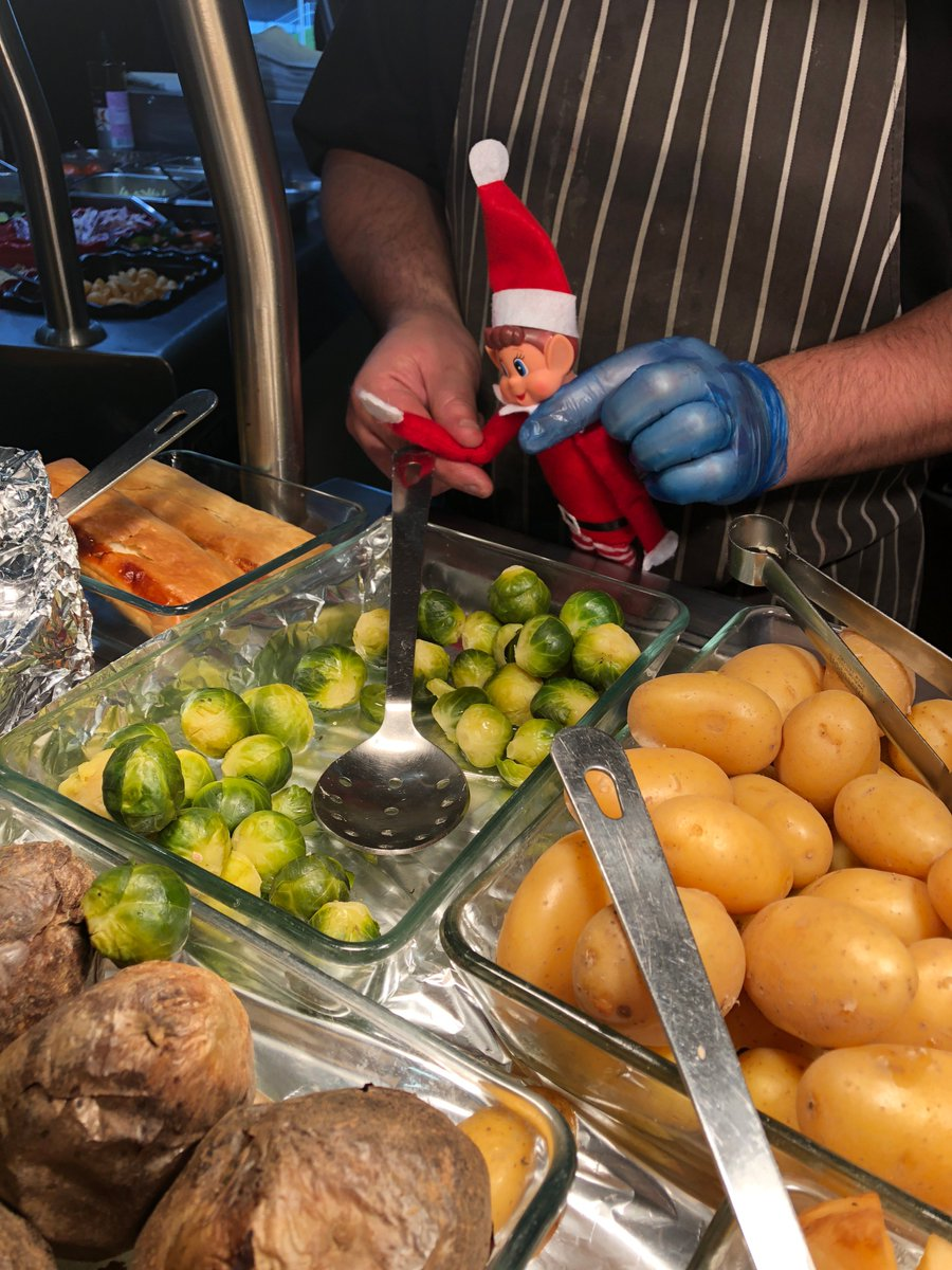 Eh, nobody invited you pal!  Check out this little dude trying to wangle his way in on the STV canteen Christmas dinner! @RealMacKaySTV will not be happy if he steals all the sprouts! 🎄🧝‍♂️  #elvesbehavinbadly