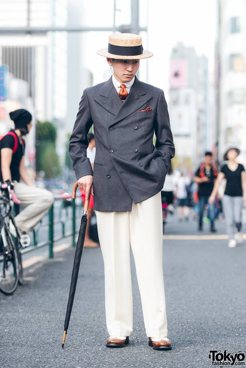 22-year-old Japanese dandy Masu on the street in Harajuku wearing a vintage double breasted blazer, straw hat, Church's two-tone wingtip shoes & umbrella  #原宿https://t.co/qO1QLsIinC