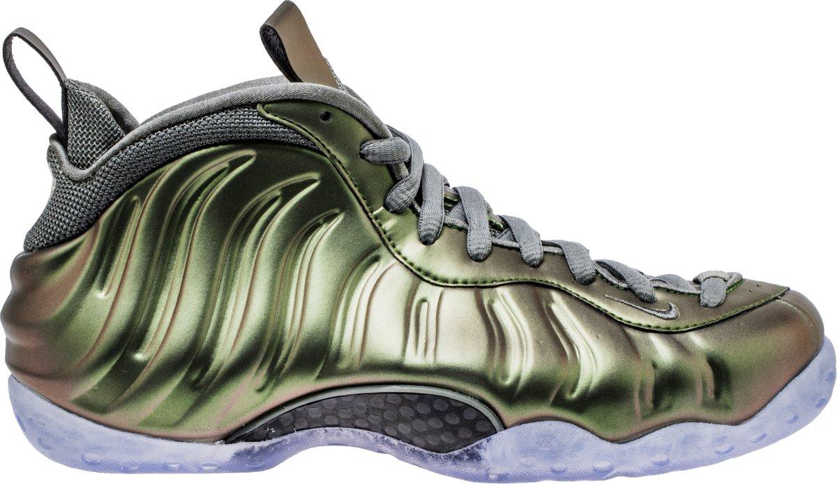 f238a5e4000c air foamposite one shine womens lifestyle shoe dark stucco green black