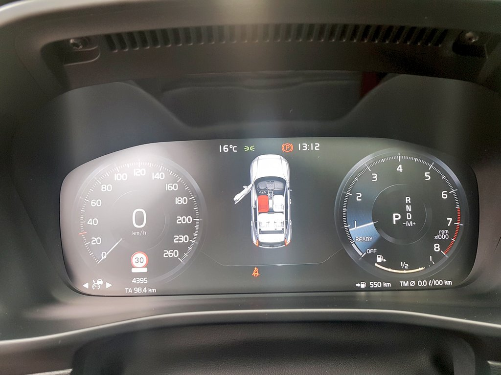 Gavin Dsouza On Twitter Oh And Its Very Well Loaded With Digital Radar Speedometer Heated Seats All Round Dials The Safety Kit Volvo Xc40 Xc40barcelonapic Wiqqaii9h2