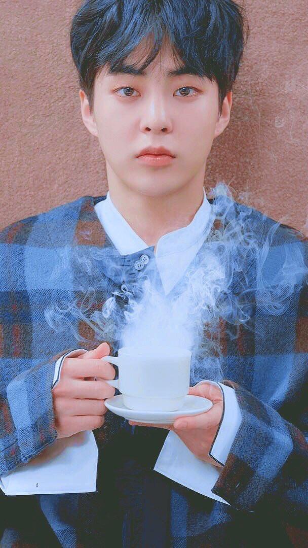 RT @BlueSpring_xo: 배경화면 사이즈 #CafeUniverse #SEHUN #XIUMIN #EXO https://t.co/fCVaOwOURi