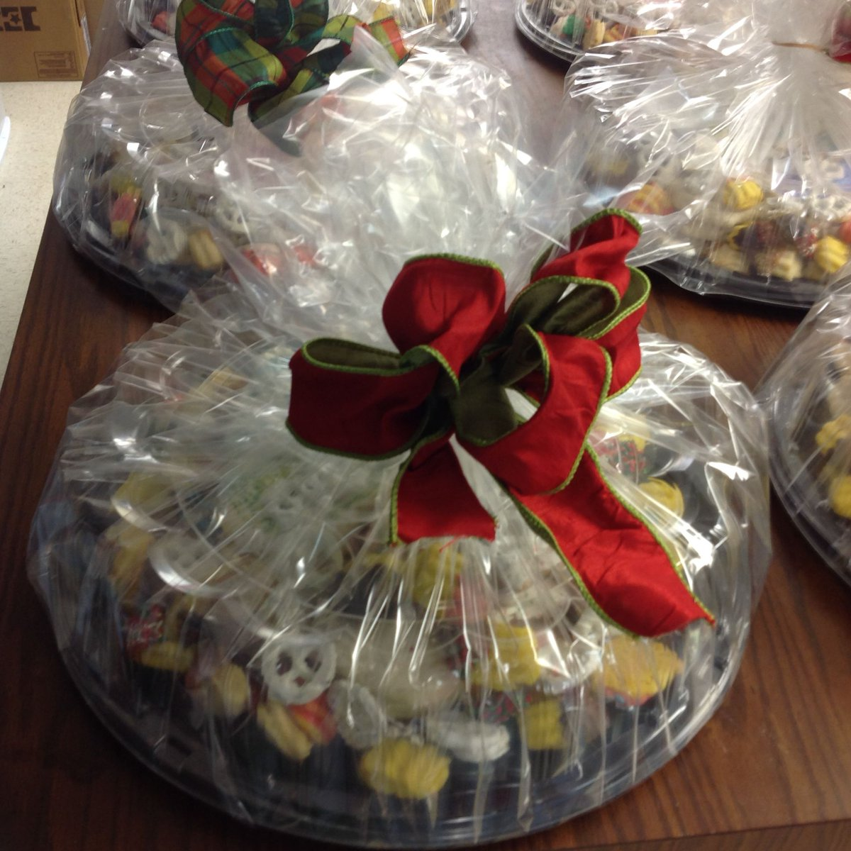 look no further we offer beautiful christmas cookie baskets there is no better way to say merry christmas and happy holidays than with cookies - Christmas Cookie Baskets
