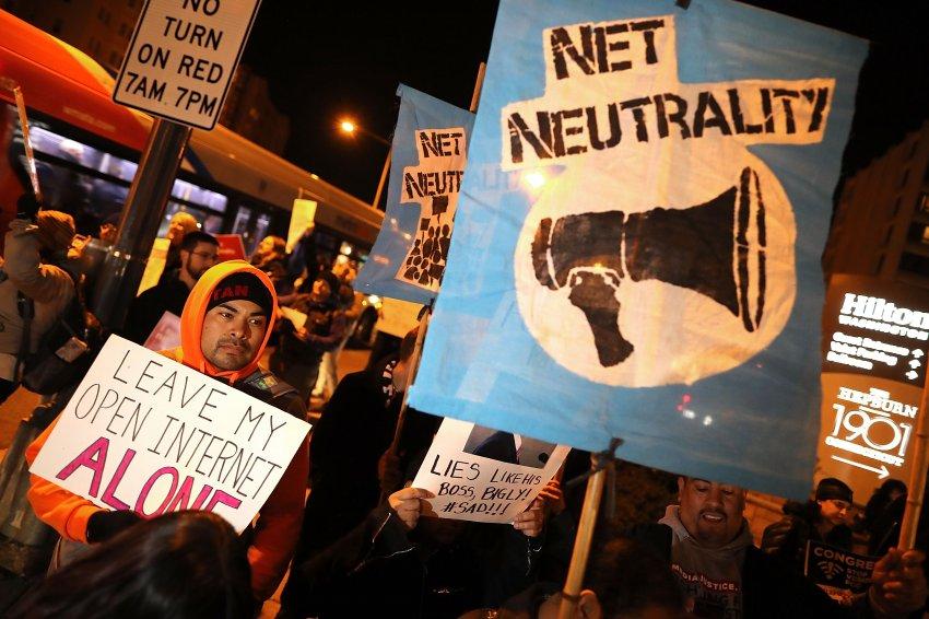 Umstrittene Entscheidung: US-Behörde schwächt Netzneutralität https://t.co/kFvNfgVsMB