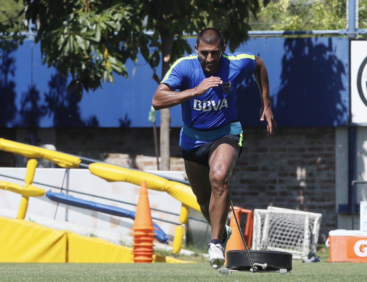 📷 Desde el lunes,  y el juvenil Agustín Almendra se entrenan en la cancha principal del complejo Pedro Pompilio. 💪