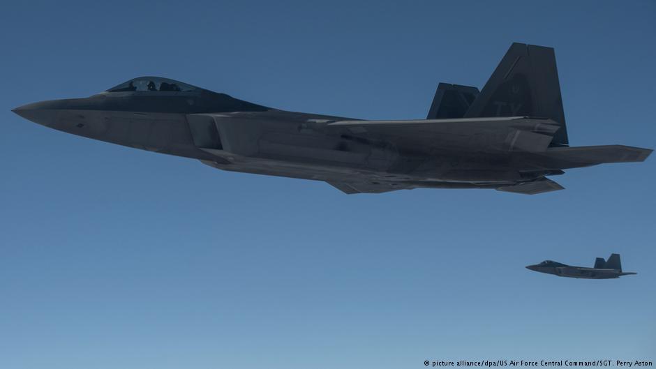 ⚡️В небе над Сирией: американские истребители F-22 открыли предупредительный огонь, когда российские Су-25 вторглись в зону деэскалации над восточным берегом Евфрата