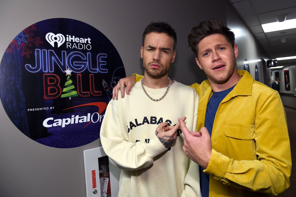 A mini One Direction reunion is everything I need and want for Christmas, tbh. 🎄 Watch @NiallOfficial &  tak@LiamPaynee the  sta#iHeartJingleBallge at 8PM ET/PT, only on ! @TheCW#iHeartOnCW