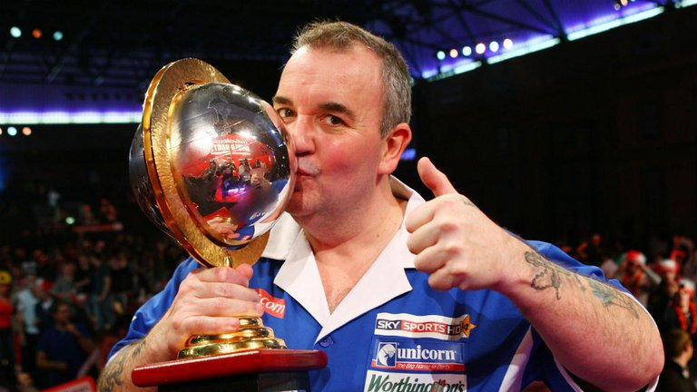 WATCH: It's been an incredible 25 years since the World Championships hit the Sky Sports screens. We take a look at the best bits: https://t.co/3BnZZeHwuA #LoveTheDarts