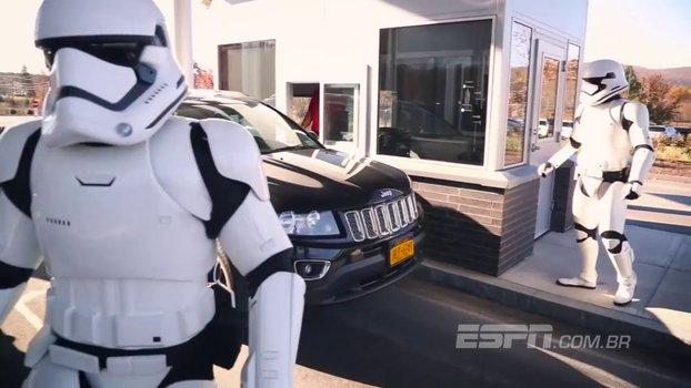 Stormtroopers recepcionam e surpreendem funcionários da ESPN nos EUA https://t.co/Hd7SstRNxQ